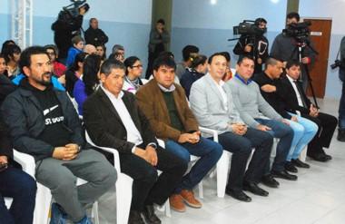 Presentes. El intendente encabezó una inauguración muy esperada e hizo anuncios para los militantes.