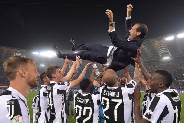 Allegri en lanzado por los aires por sus dirigidos, tras una nueva consagración de Juventus.