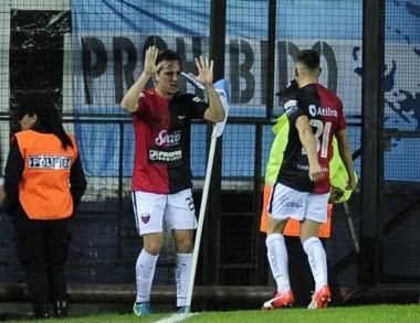 Colón sorprendió a Racing y lo dejó sin Libertadores 2019, al menos a través de la Superliga. Entró Talleres.