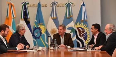 El gobernador Arcioni presidió el encuentro con las provincias patagónicas, donde consensuaron una agenda de competitividad para la región.