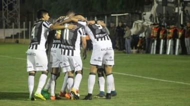 Con el gol de Pablo Alvarenga, Gimnasia le ganó como local a Sportivo Belgrano en el partido de vuelta de la semifinal.