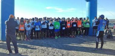 """Momento de la largada, el año pasado, en la primera edición del """"Paraná Cross"""". Debido al éxito, se realiza este domingo la segunda corrida."""