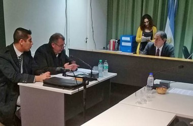 En Rawson, el magistrado Marcelo Orlando libró oficios para que se busque a la exfiscal procesada.