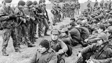 El fiscal de Rio Grande pidió la detención de 26 militares por torturas contra soldados argentinos durante la Guerra.