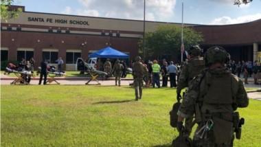 Gobernador de Texas confirma que 10 personas murieron por el tiroteo en la escuela Santa Fe.