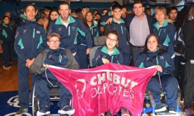 La delegación chubutense que participó en los Juegos ParaEpade, en Santa Rosa, La Pampa, se quedó con un meritorio segundo puesto.
