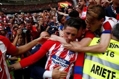 Fernando Torres se despidió del Atlético de Madrid en emotiva despedida y con un doblete.