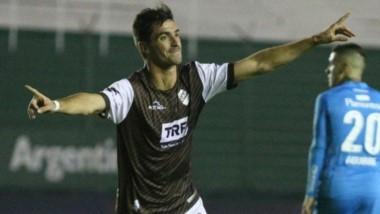 Emanuel Bocchino, a los 34 minutos, puso el 1-0 de Platense frente a Belgrano.