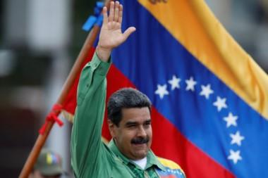 Maduro gana presidenciales en Venezuela con 5,8 millones de votos.