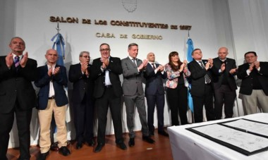 En el Salón de los Constituyentes se llevaron a cabo las asunciones y los reposicionamientos dentro del Gobierno de Mariano Arcioni.