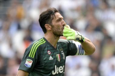 El club francés le pagaría el doble de lo que gana actualmente en Juventus y un contrato a dos años.