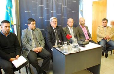 Protagonistas. Miquelarena encabezó la conferencia de prensa con los detalles que podía revelar.