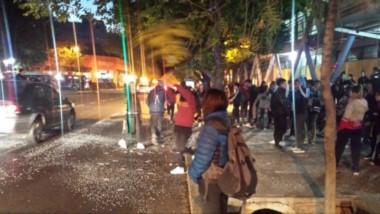 La multa se aplicó a la Escuela Normal Tomás Godoy Cruz, luego de que los alumnos presentaran las camperas de promoción del último año del ciclo lectivo y cortaran la calle.