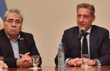 El gobernador anunció junto al ministro coordinador la decisión de dictar la conciliación obligatoria.