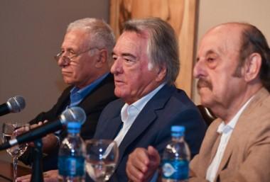 El dirigente gastronómico con Carlos Campolongo y Julio Bárbaro, que también cesan en sus cargos.