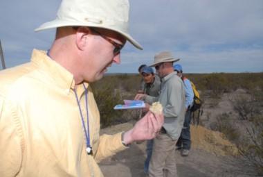El proyecto Amarillo Grande es un distrito de uranio de 140 kilómetros de largo, inicialmente identificado y prospectado por Blue Sky desde 2007 a 2012.