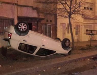El violento accidente por fortuna no afectó a otras personas. (@CPG_GUT)