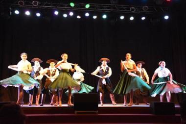El público disfrutó de un excelente espectáculo protagonizado por  talentosos  artistas locales.