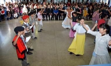 La danza formó parte de los festejos.