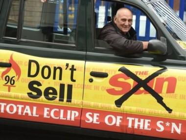 """Liverpool comenzó una campaña para no comprar el periódico The Sun debido a las informaciones vertidas sobre Hillsborough: """"No compres The Sun, eclipsa el sol""""."""