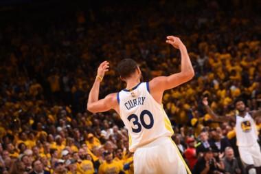 Los Golden State Warriors fuerzan el 7mo. partido. Llegaron  a ir perdiendo de 17 puntos y han acabado ganando 115-86.