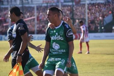 Miracco, de penal, anotó el único gol del partido. El próximo domingo se define el ascenso en Tucumán.