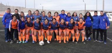 El plantel de J.J. Moreno, que logró interrumpir una sucesión de tres años consecutivos de títulos de Barraca Central y  Alumni en el fútbol femenino de la Liga del Valle.