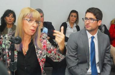Argumentos. Lozano y Parra durante un tramo de la audiencia de una pesquisa que deberá esperar.