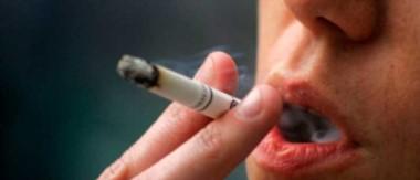 El cigarrillo causa severos problemas de salud como enfermedades cardiovasculares, cáncer de pulmón y la enfermedad pulmonar obstructiva crónica.