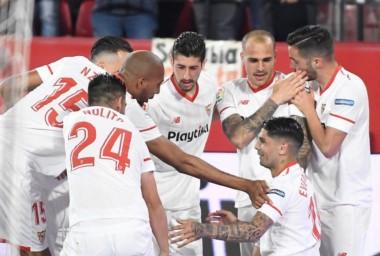 El argentino Banega, de penal, marcó el tanto de la victoria de Sevilla.