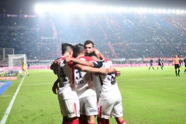 Biaggio, sin refuerzos, con un juego feo, pobre y siempre criticado logró meter a este San Lorenzo en la proxima Copa Libertadores.