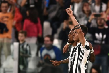 Dybala marcó un tanto en la victoria de Juventus, que está a un paso del título.