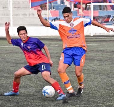 """El """"Naranja"""" no tuvo inconvenientes para vencer ayer a AFO en condición de local, por un contundente 3-0."""