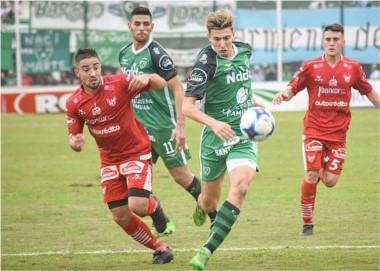 En Junín, Sarmiento e Instituto empataron 0-0, pero el Verde accedió por ventaja deportiva.