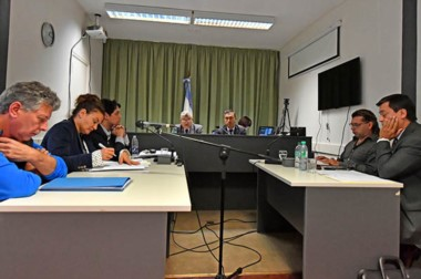 Los magistrados Di Biase y García aceptaron la revisión que presentó la querella y dejaron preso a López.