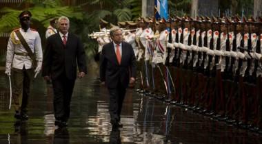El secretario Antonio Guterres y el presidente cubano Diaz-Canel en La Habana.