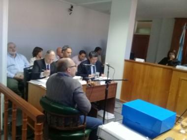 La causa se inició con una denuncia del exministro Fernando Menchi