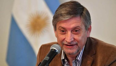 Arcioni confirmó que tiene a disposición la renuncia presentada días atrás por el ministro coordinador de Gabinete, Sergio Mammarelli.