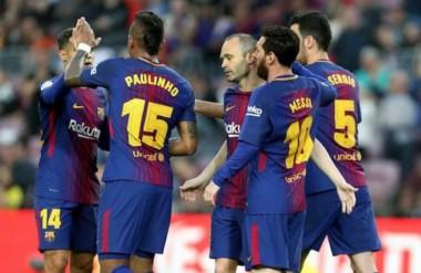 Con triunfo ante Villarreal y gol de Messi, Barcelona despidió a Iniesta en el Camp Nou.