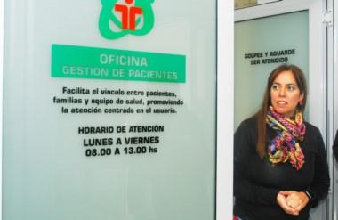 Flamante. La médica de guardia, Mariela González, presentó la Oficina para optimizar el servicio.