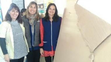 Aporte. La directora Laura Robledo, junto a Marta Polenti y Mariana Noriega, recibieron la donación.
