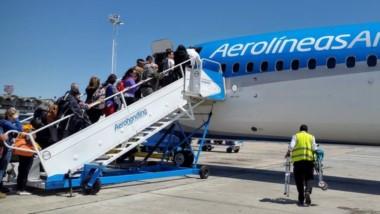 Según el tráfico aéreo en vuelos de cabotaje, se registró un incremento del 116% en el aeropuerto de Puerto Madryn (4.900 pasajeros).