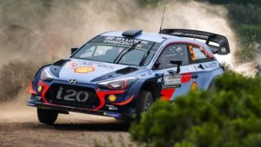 Neuville se quedó con el triunfo en el Rally de Italia-Cerdeña por 7 décimas de ventaja sobre el francés Ogier.