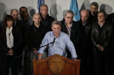 Explícito. El mandatario fijó posición sobre el conflicto en vivo y en directo para toda la provincia.