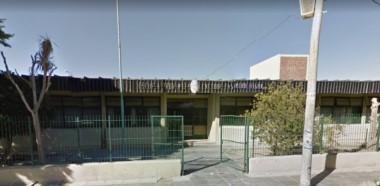 La Escuela Nª 174 está ubicada en el límite de los barrios Menfa e Inta