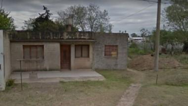 La casa donde la mujer, hoy de 42 años, estuvo cautiva y encadenada por 20 años.