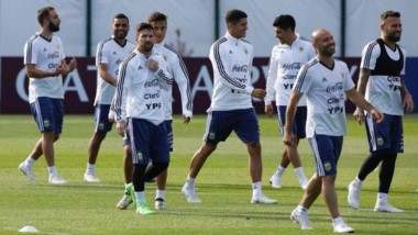 Para el debut de Argentina se perfila el cuadrado defensivo Otamendi-Rojo-Mascherano-Biglia.