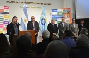 El gobernador Mariano Arcioni presentó ayer el segundo Telebingo para instituciones deportivas.
