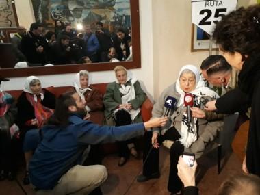 Incansables. Las Madres se acercaron hasta la sede de la Casa del Chubut, en pleno centro porteño. (fotos, cortesía de ATE).