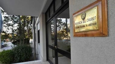 Sede. El edificio del STJ en Rawson, donde se tomó una decisión fuerte.